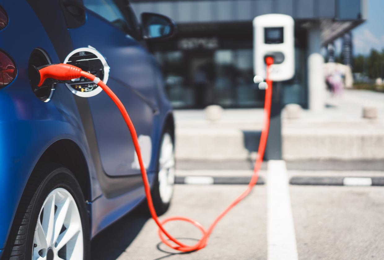 Betrifft die Pflicht der Ladeinfrastruktur für E-Autos (GEIG) auch Sie?